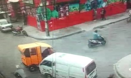 VIDEO. Conductor de bicitaxi cogió a golpes a otro por choque simple en Bogotá