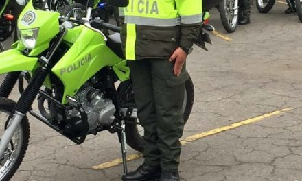 Policías que escoltaban hombre herido a bala sufrieron grave accidente en Bogotá