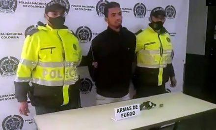 [VIDEO] Capturan extranjero que iba disparar contra policías en Bogotá