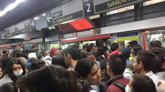 Dura carta de los empresarios a Claudia López por culparlos de aglomeraciones en Transmilenio