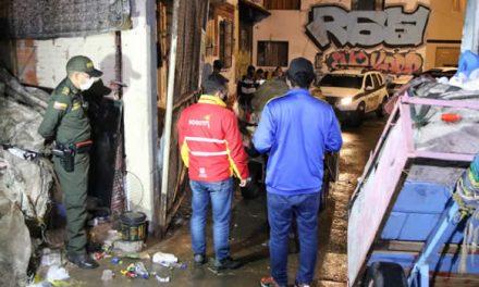 Licor y marihuana en bodega insonorizada donde realizaban fiestas clandestinas en Bogotá