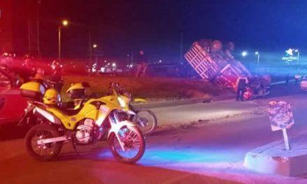 [VIDEO] Se volcó camión en Soacha, varias personas lesionadas