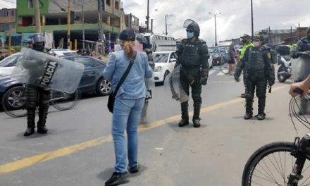 [VIDEO]  Denuncian atropellos del Esmad en protestas de Soacha