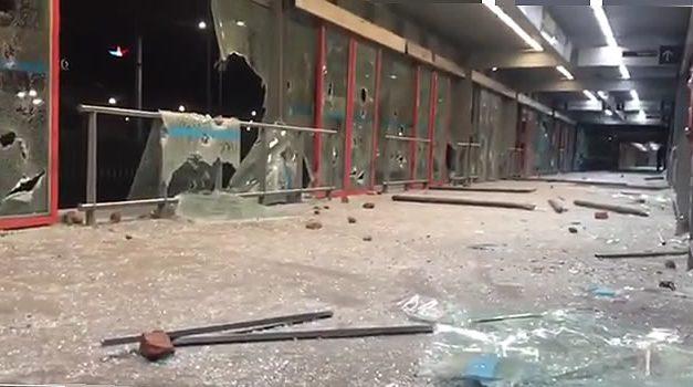 [VIDEO] Vándalos destruyeron estación San Mateo de Transmilenio en Soacha