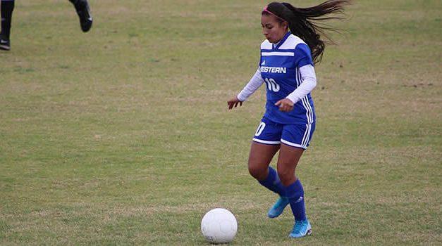 Gineth Arias Martínez, la joven soachuna que juega fútbol en Estados Unidos