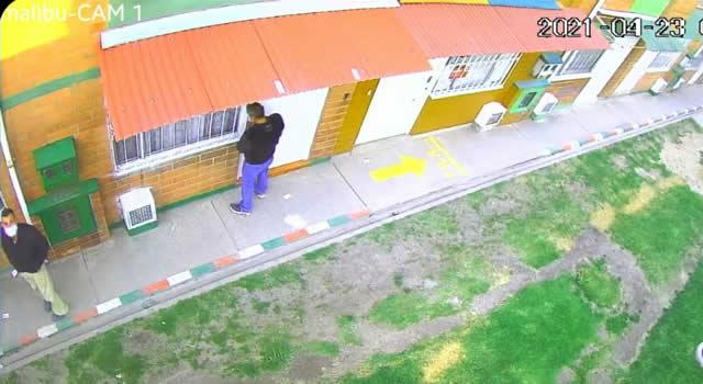 [VIDEO] Pillados en Soacha midiendo llaves a plena luz del día