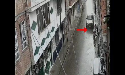 [VIDEO]  Ladrones arrendaron casa en barrio de Soacha, intentaron hurtar 2 motos