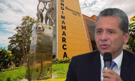 Piden renuncia del rector de la Universidad de Cundinamarca