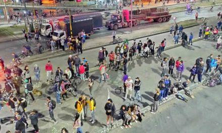 De nuevo bloquean la autopista Sur a la altura de la calle 22 de Soacha