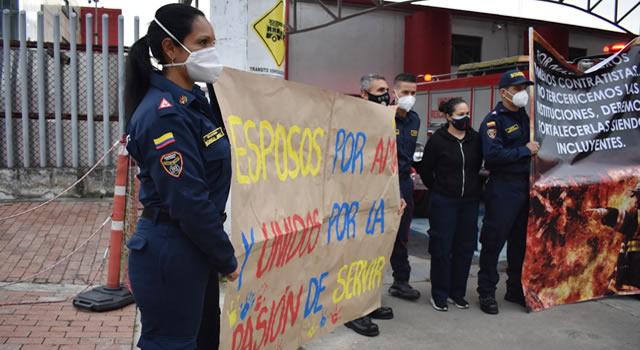 [VIDEO] Con 'plantón', más de 2.000 bomberos de Colombia protestaron por mejores condiciones laborales