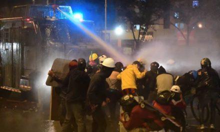 En disturbios terminó jornada de protestas pacíficas en Bogotá