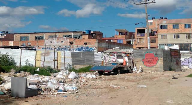 En comuna tres de Soacha estrenan vías, pero zona verde está llena de escombros