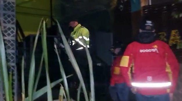 [VIDEO]  En Bogotá encuentran 35 personas en fiesta clandestina