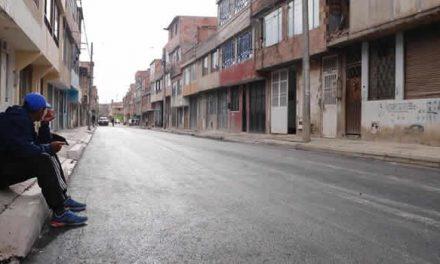 Después de 30 años llegó el pavimento al barrio Pablo VI de Soacha