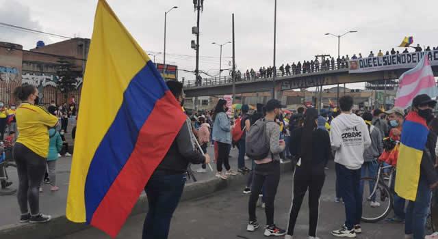 Día de marchas y manifestaciones en Soacha, autopista Sur bloqueada