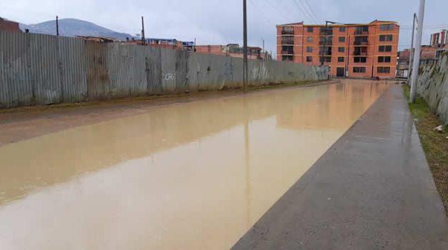 [VIDEO] De nuevo las calles de Quintanares y Sabana Ciprés quedaron bajo el agua