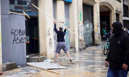 Capturan 13 personas por vandalismo y ataques a la Policía en Bogotá