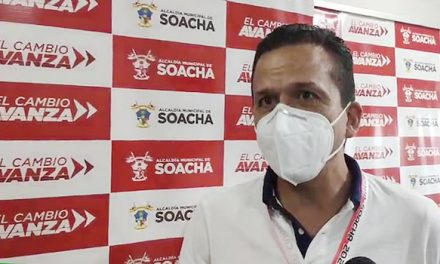 """[VIDEO] """"Tenemos un grupo de bandidos y delincuentes que taponan la autopista para salir a atracar en otros sectores"""": alcalde de Soacha"""
