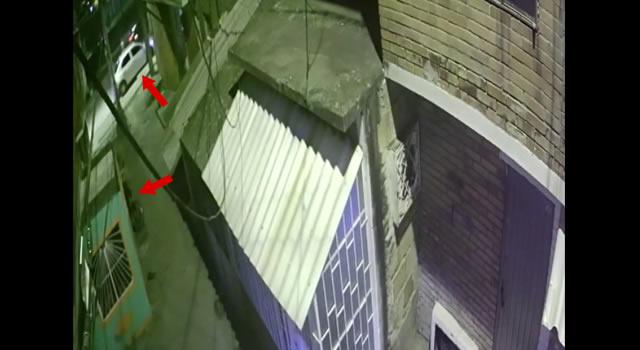 [VIDEO]  Ladrón hace varios intentos para robarse moto en Compartir
