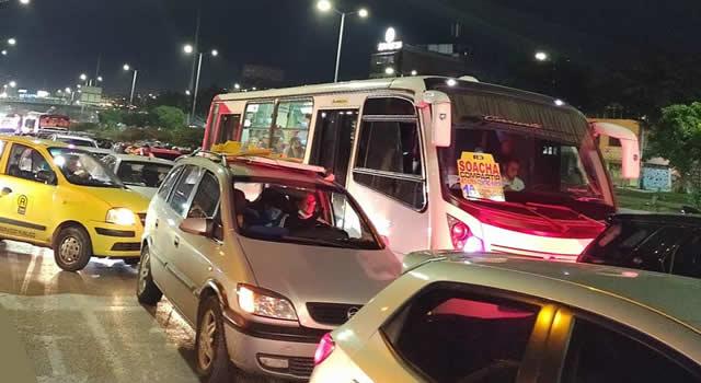 A esta hora bloqueada la autopista Sur en Soacha