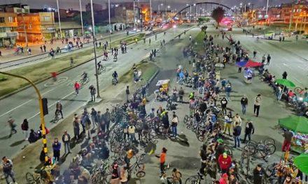 Manifestantes bloquean de nuevo la autopista Sur en Soacha