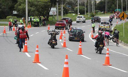 Más de 20 mil vehículos han ingresado este lunes 7 de junio por la autopista Sur