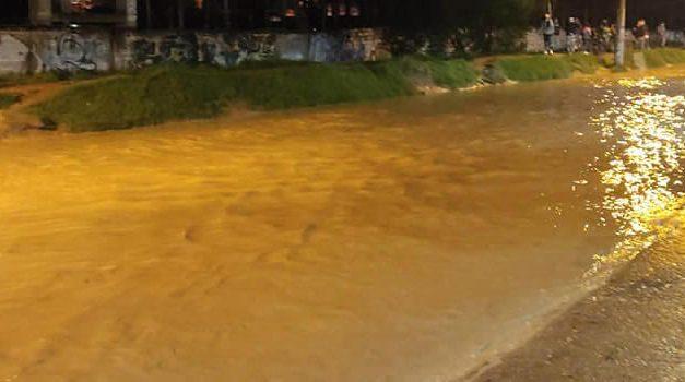 Soacha bajo el agua, el fuerte aguacero de este martes inundó varios sectores de la ciudad