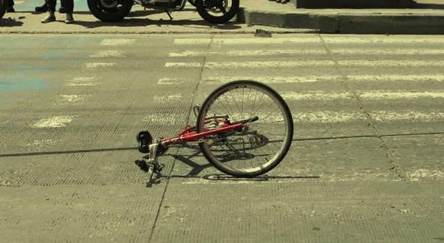 Ciclista se estrella y camioneta lo mata en la avenida 68 de Bogotá