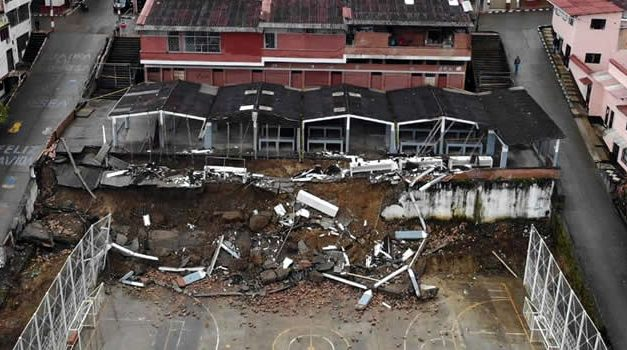 Colapso de plaza de mercado de Ubalá amenaza estabilidad de varias viviendas