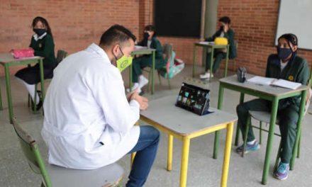 Maestros de Bogotá regresan a la presencialidad