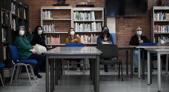 Este viernes abren 200 vacantes para docentes en Bogotá