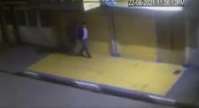 [VIDEO] Despiadado ataque a transeúnte por robarlo en Bogotá, lo golpearon con una piedra