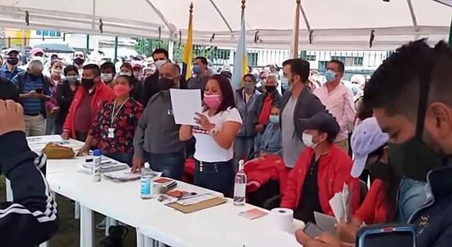 Lleno total en cabildo abierto de la comuna tres y alcalde Saldarriaga no fue