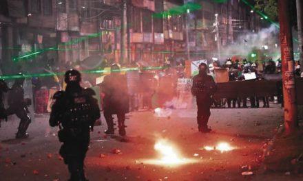 Fuertes enfrentamientos se registraron anoche en Bogotá