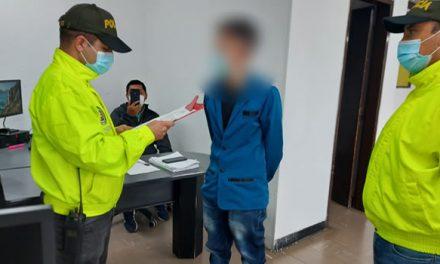 A la cárcel joven señalado de la muerte de su hijastro de 18 meses en Bogotá