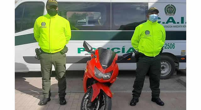 En Soacha capturan tres personas y recuperan una moto robada