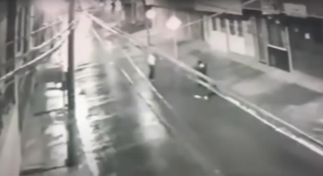 [VIDEO]  A golpes asesinan a un hombre en Bogotá