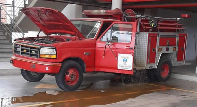 Sin máquinas ni equipos trabajan los bomberos de Soacha