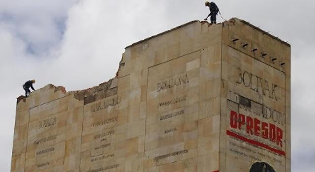 Rechazo a demolición del Monumento a Los Héroes en Bogotá