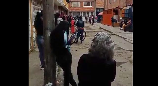 [VIDEO] Denuncian largas filas e irregularidades en la atención del Sisben en Soacha