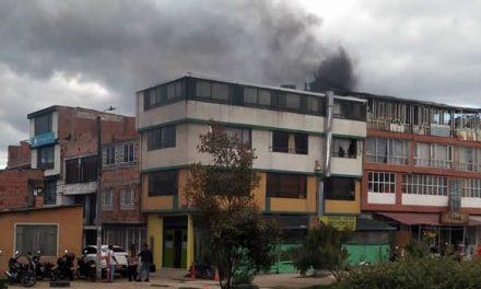 Impotencia y tristeza sintieron los bomberos de Soacha al no poder atender incendio de una vivienda