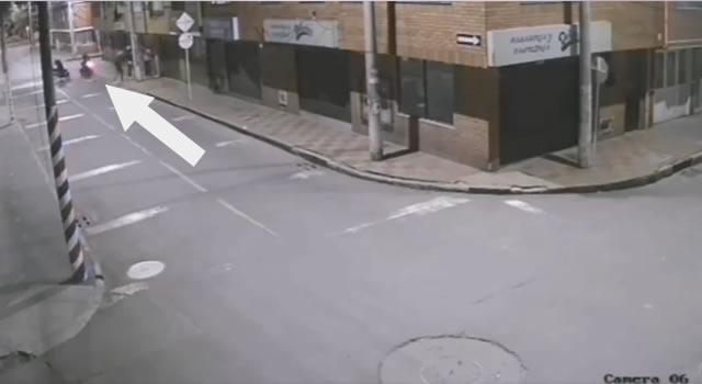 [VIDEO]  Cuatro delincuentes robaron a dos ladrones en Bogotá