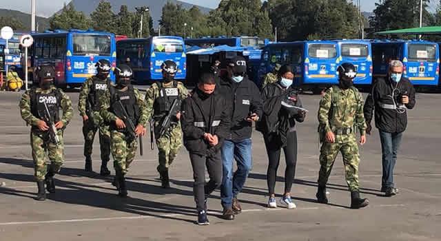 [VIDEO]  Ejército desmantela a 'Los Fariseos', empleados de un operador de Transmilenio que hurtaban repuestos y aceites