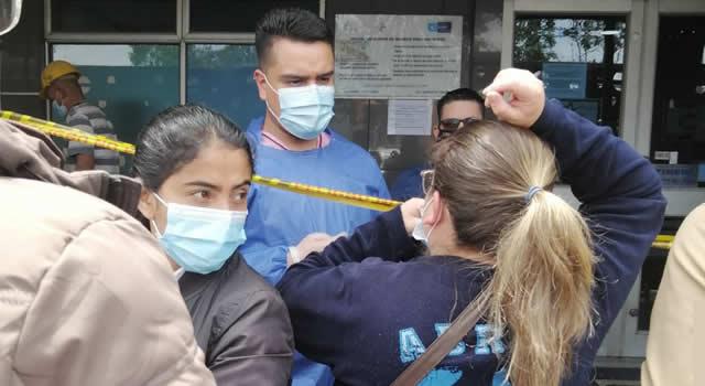 Desespero y molestia en Soacha por irregularidades en la vacunación