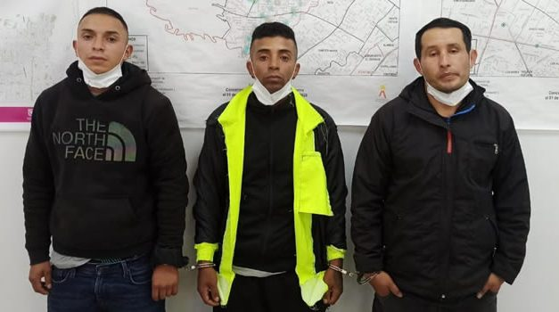 A la cárcel tres falsos policías que hurtaban viviendas en Bogotá
