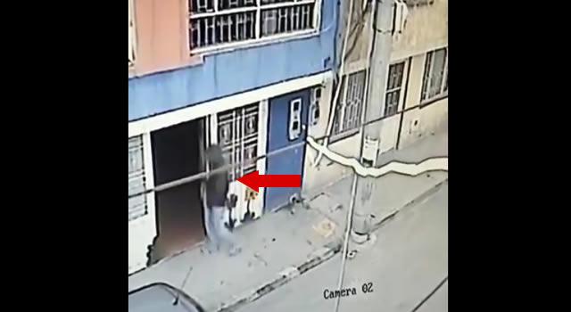 [VIDEO] Ladrón ingresa a una fundación y roba a estudiante de cosmetología en Soacha