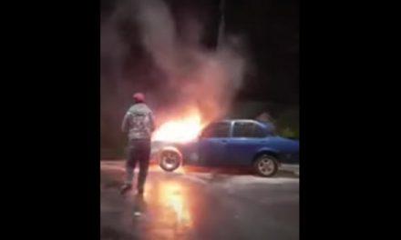 [VIDEO]  Así se registró el incendio de un vehículo en Sibaté, Cundinamarca