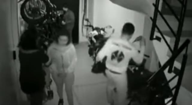 Mujeres drogan a dos jóvenes y cometen millonario robo en Bogotá