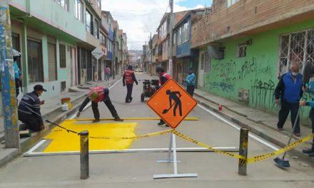 Señalizan calles de Soacha para fortalecer la seguridad vial