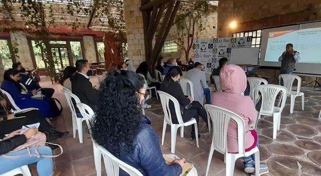 Urbaser realizó capacitación en normatividad de copropiedades a personal administrativo de conjuntos y edificios de Soacha